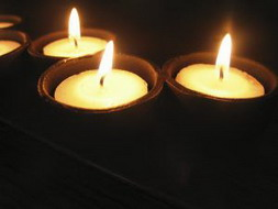 797568_candles_resize.jpg